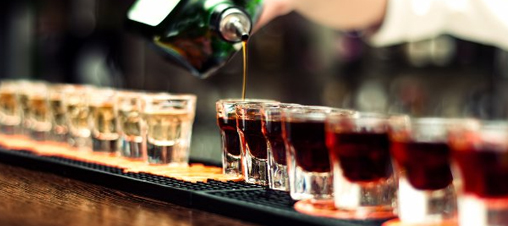Men and non-smokers who drink may be at particular risk of periodontal disease